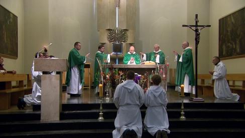 9 uzvedības noteikumi nekatoļiem, apmeklējot Svēto Misi