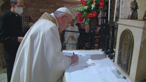 """Viganò par jauno pāvesta encikliku: Brālība pret Dievu ir """"svētzādzība"""" un """"ķecerība"""""""