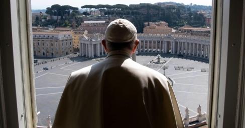 Arī pāvesta Bergolio fani nostājas pret viņu. Pontifikāts rietā
